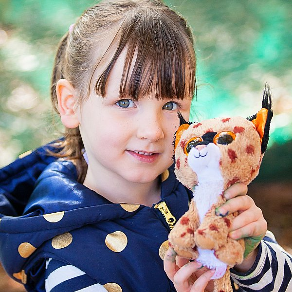 kinder-girl-beanie-baby-preschool-photographers-melbourne